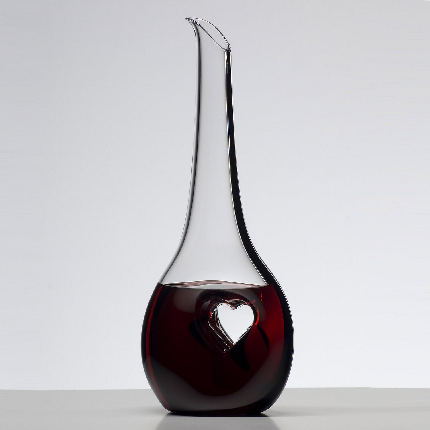 Decanter d finition what is for Wine carafes and decanters