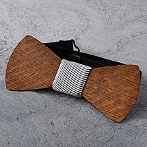 Reclaimed Wine Barrel Wooden Bow Tie